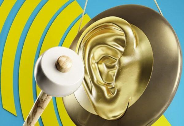 Почему звенит в ушах и голове