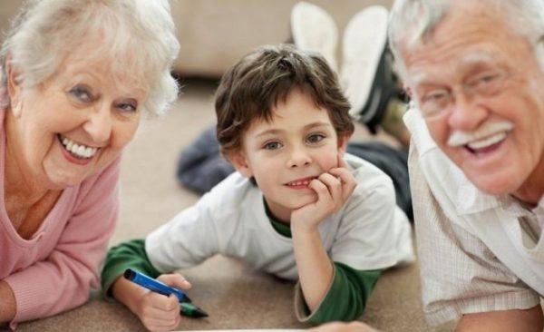 5. «Посвящать» себя детям и внукам