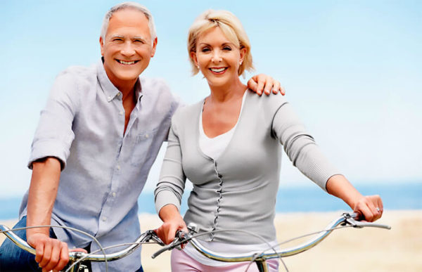 Пары старше 60 лет все чаще заменяют половой акт другими формами сексуальной стимуляции,