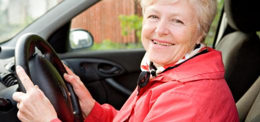 женщина за рулем после 60