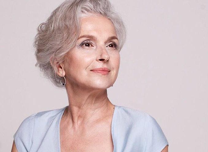 60 лет женщине